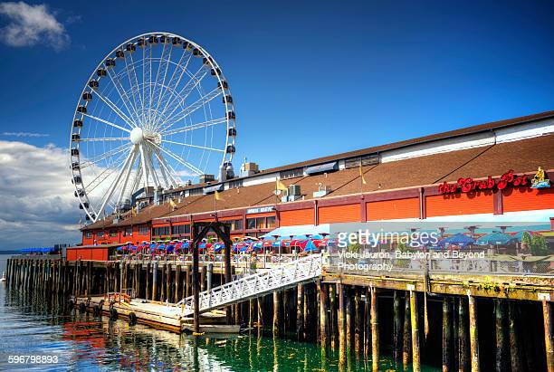 Seattle great wheel on a colorful day