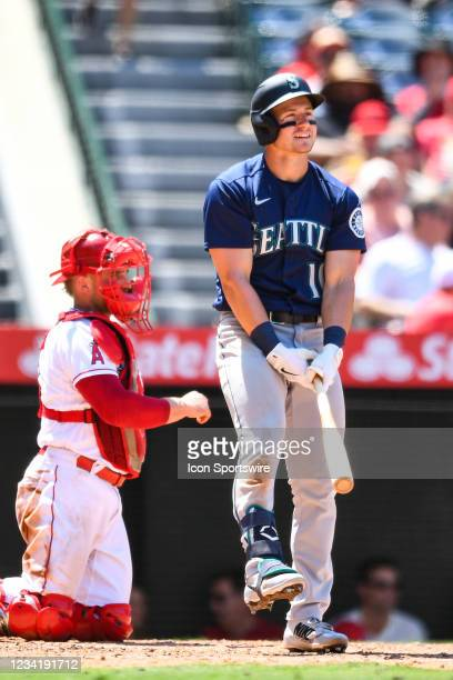 Seattle Mariners center fielder Jarred Kelenic looks on during a MLB game between the Seattle Mariners and the Los Angeles Angels of Anaheim on July...