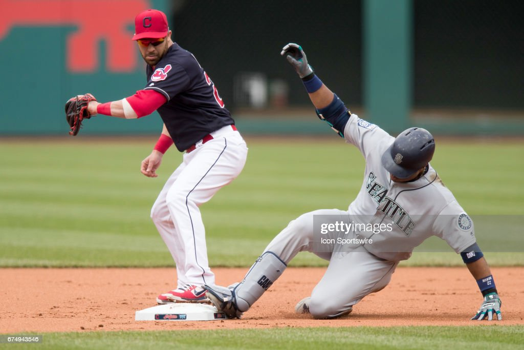 MLB: APR 29 Mariners at Indians : News Photo