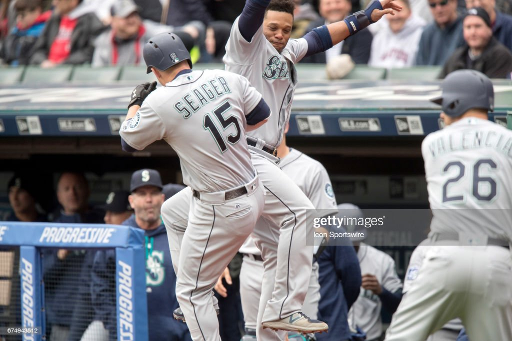 MLB: APR 29 Mariners at Indians : News Photo