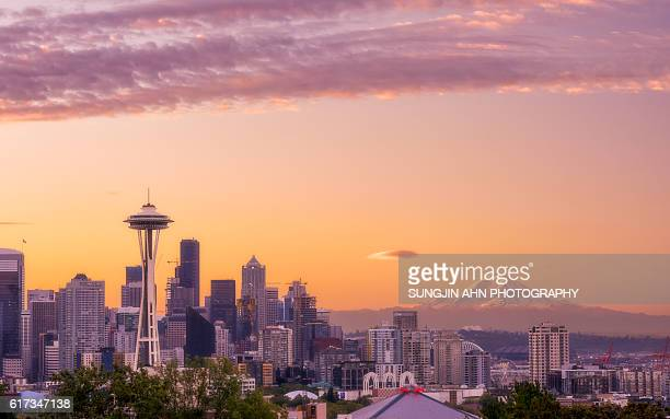 seattle morning - landrat stock pictures, royalty-free photos & images