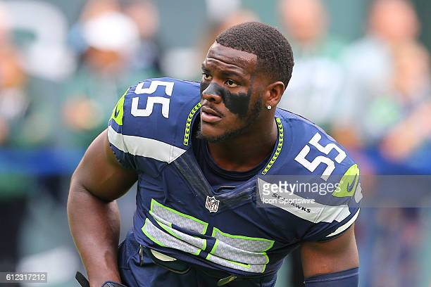 Seattle Seahawks defensive end Frank Clark warms up prior to the game between the New York Jets and the Seattle Seahawks played at MetLife Stadium in...