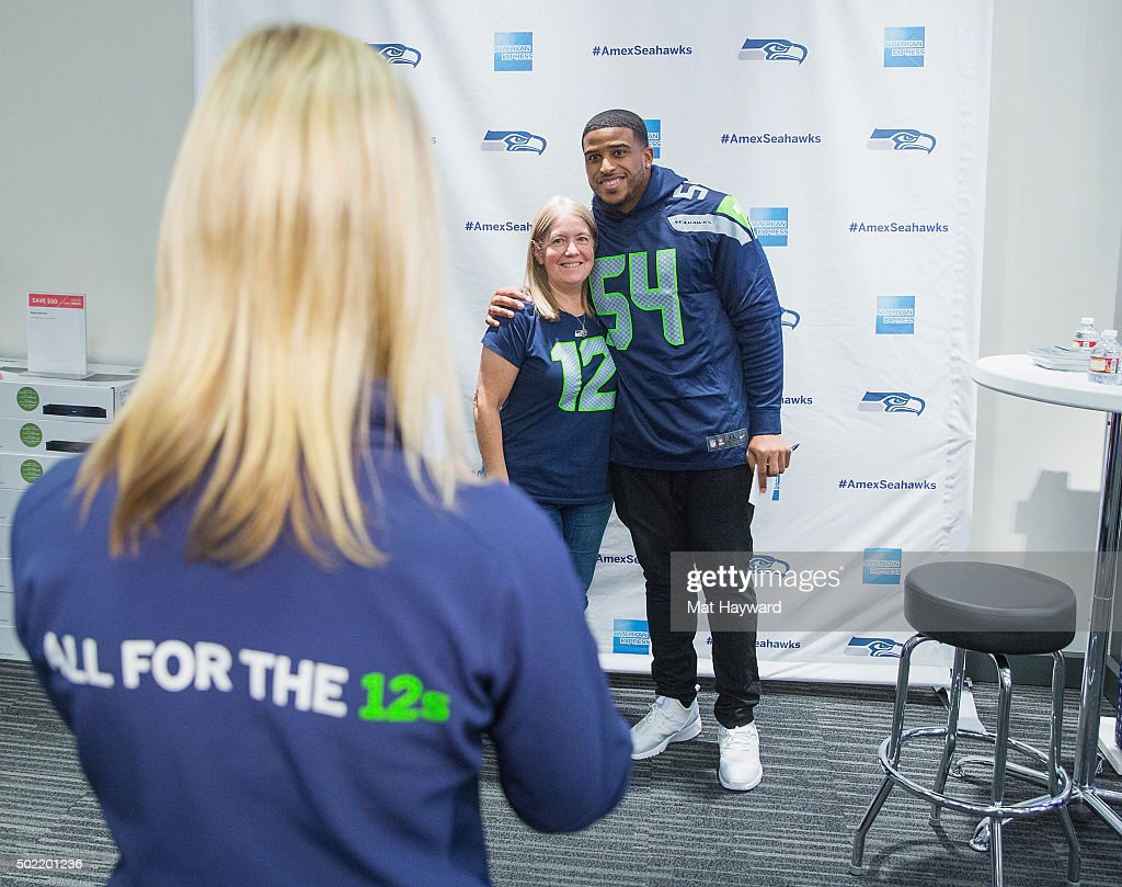 seattle seahawks linebacker bobby wagner celebrates american express news photo getty images seattle seahawks linebacker bobby wagner celebrates american express news photo getty images
