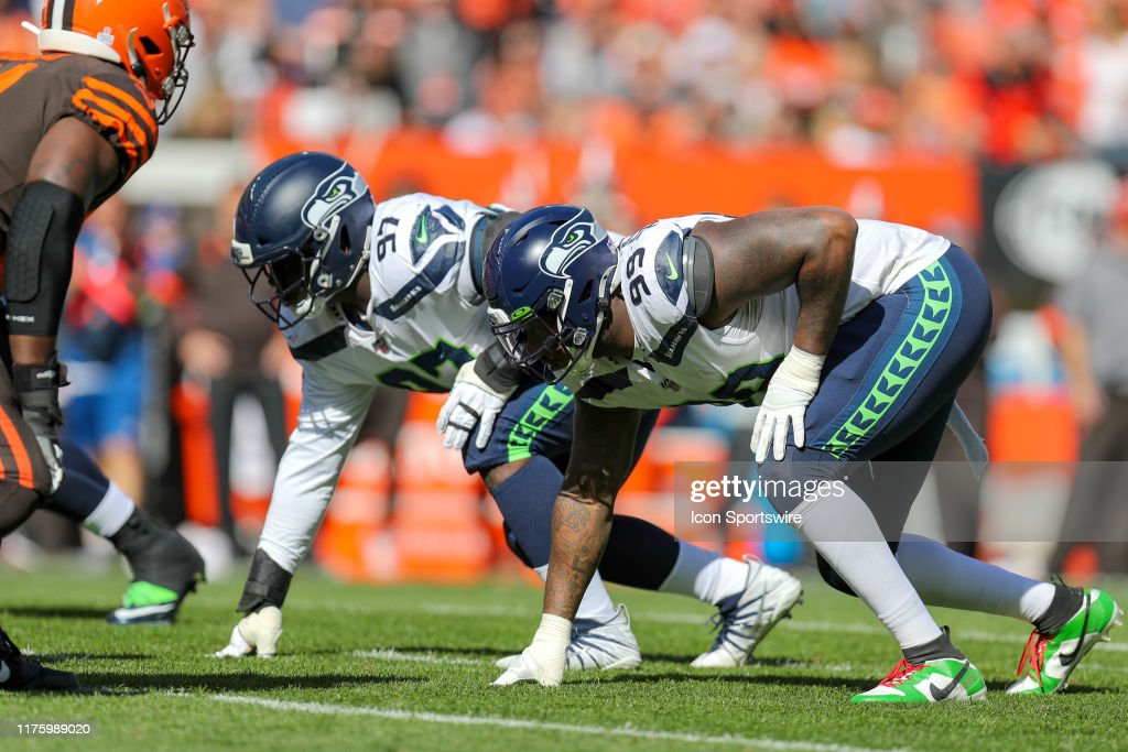 NFL: OCT 13 Seahawks at Browns : ニュース写真