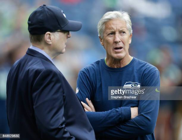 Seattle Seahawks owner Paul Allen left talks with head coach Pete Carroll before the game against the San Francisco 49ers at CenturyLink Field on...