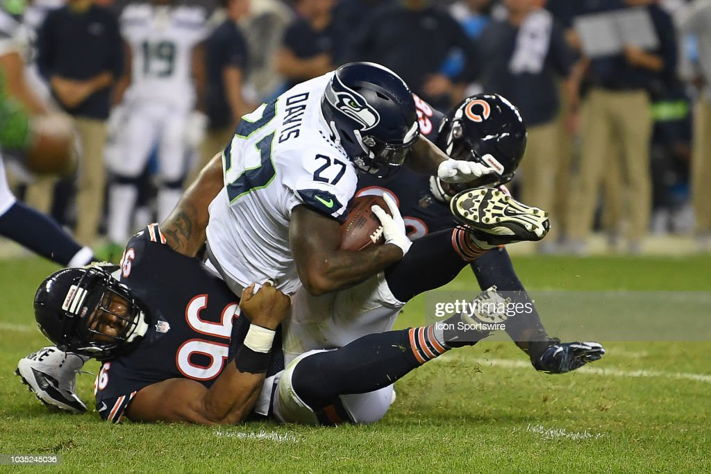 NFL: SEP 17 Seahawks at Bears : News Photo