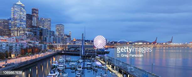 seattle skyline + waterfront - washington - seattle stock pictures, royalty-free photos & images