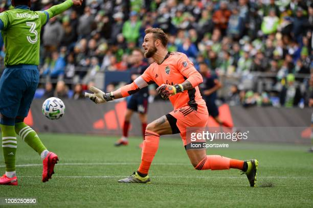 Seattle Sounders goalie Stefan Frei throws the ball out to his defense during a MLS match between the Chicago Fire and the Seattle Sounders at...