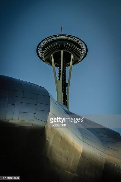 シアトルスペースニードル - エクスペリエンスミュージックプロジェクト ストックフォトと画像