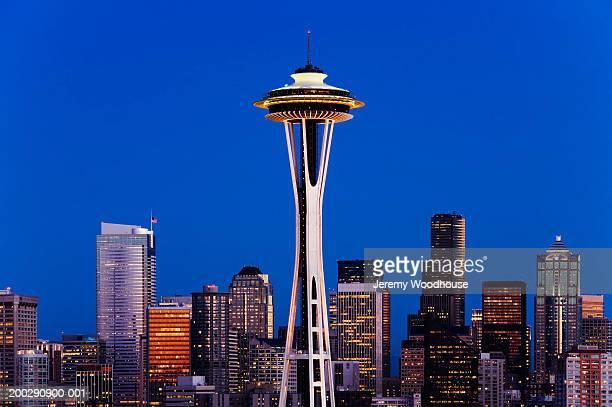 usa, seattle, washington, seattle skyline, night - seattle center stock-fotos und bilder