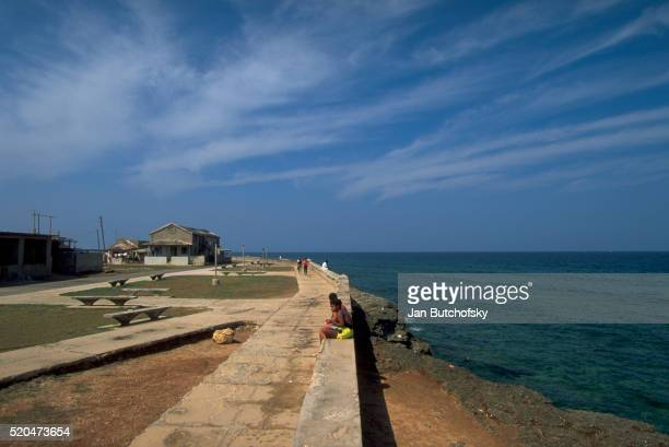 seawall of cojimar, cuba - seawall stock pictures, royalty-free photos & images