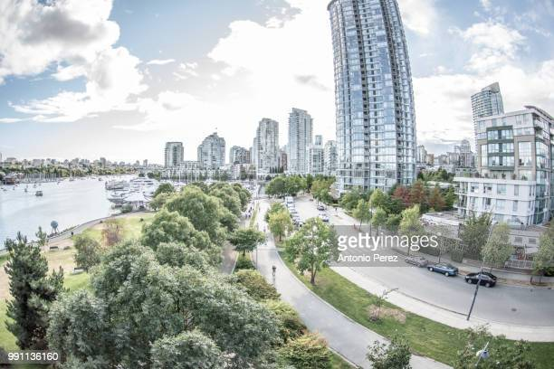 seawall yaletown - seawall stock pictures, royalty-free photos & images