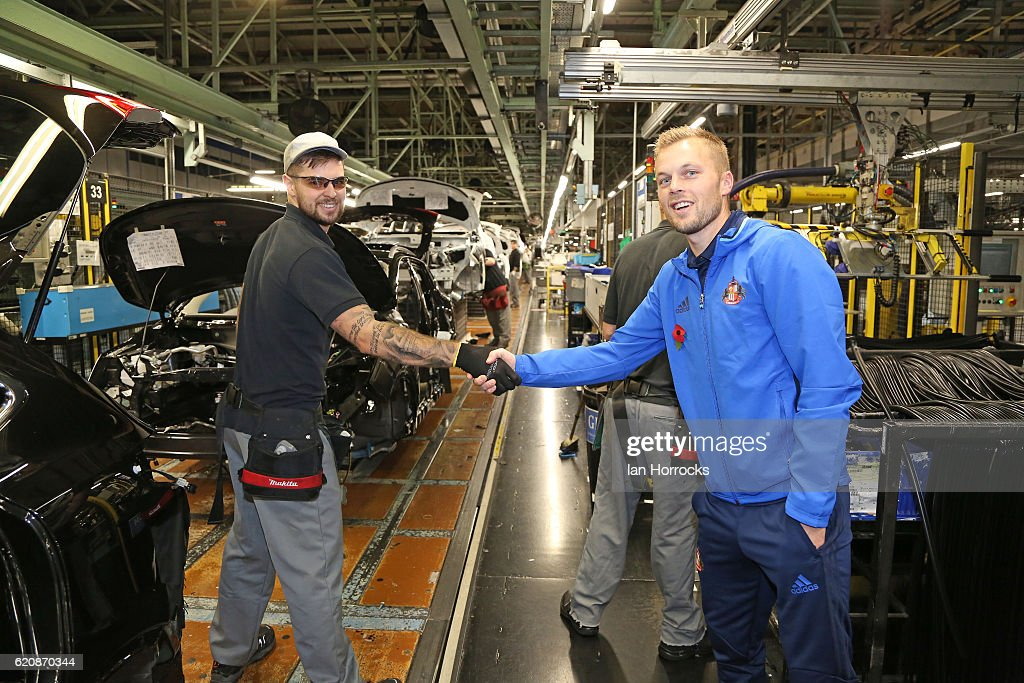 Sunderland Players Visit the Local Nissan Plant : News Photo