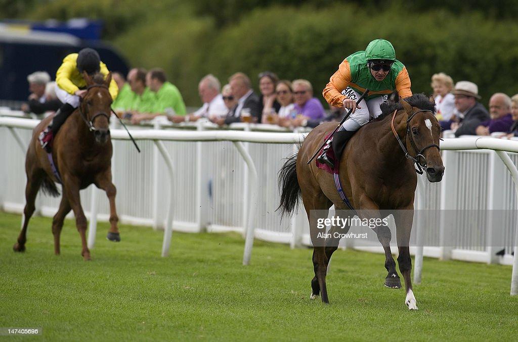 Folkestone Races