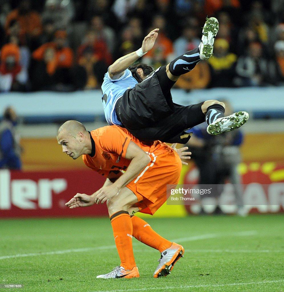 Uruguay v Netherlands: 2010 FIFA World Cup - Semi Final