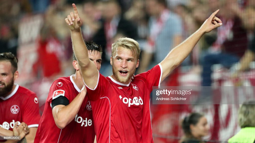 Sebastian Andersson of 1.FC Kaiserslautern celebrates with Christoph Moritz during the Second Bundesliga match between 1. FC Kaiserslautern and SpVgg Greuther Fuerth at Fritz-Walter-Stadion on September 29, 2017 in Kaiserslautern, Germany.