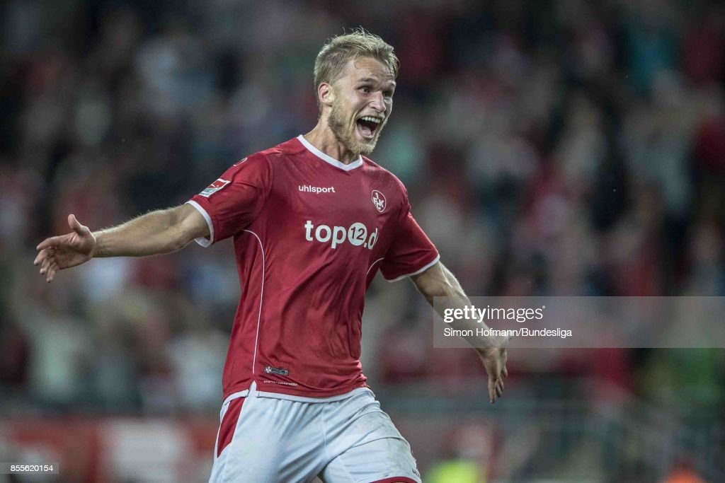Sebastian Andersson of Kaiserslautern celebrates a goal during the Second Bundesliga match between 1. FC Kaiserslautern and SpVgg Greuther Fuerth at Fritz-Walter-Stadion on September 29, 2017 in Kaiserslautern, Germany.