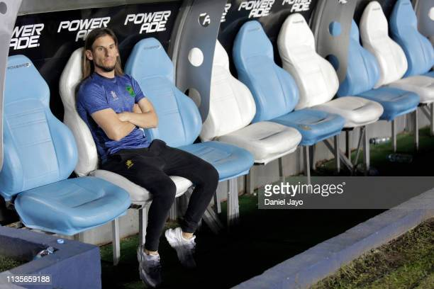 Sebastian Beccacece coach of Defensa y Justicia sitting at the substitute bench during a match between Racing Club and Defensa y Justicia as part of...