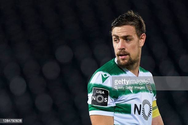 Sebastian Coates of Sporting CP looks on during the Liga NOS match between Vitoria Guimaraes SC and Sporting CP at Estadio Dom Afonso Henriques on...