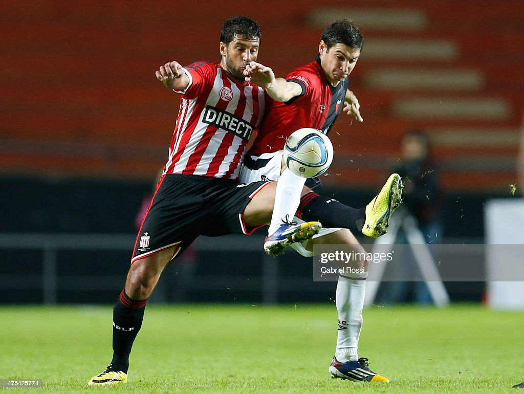 Estudiantes v Colon - Torneo Primera Division 2015