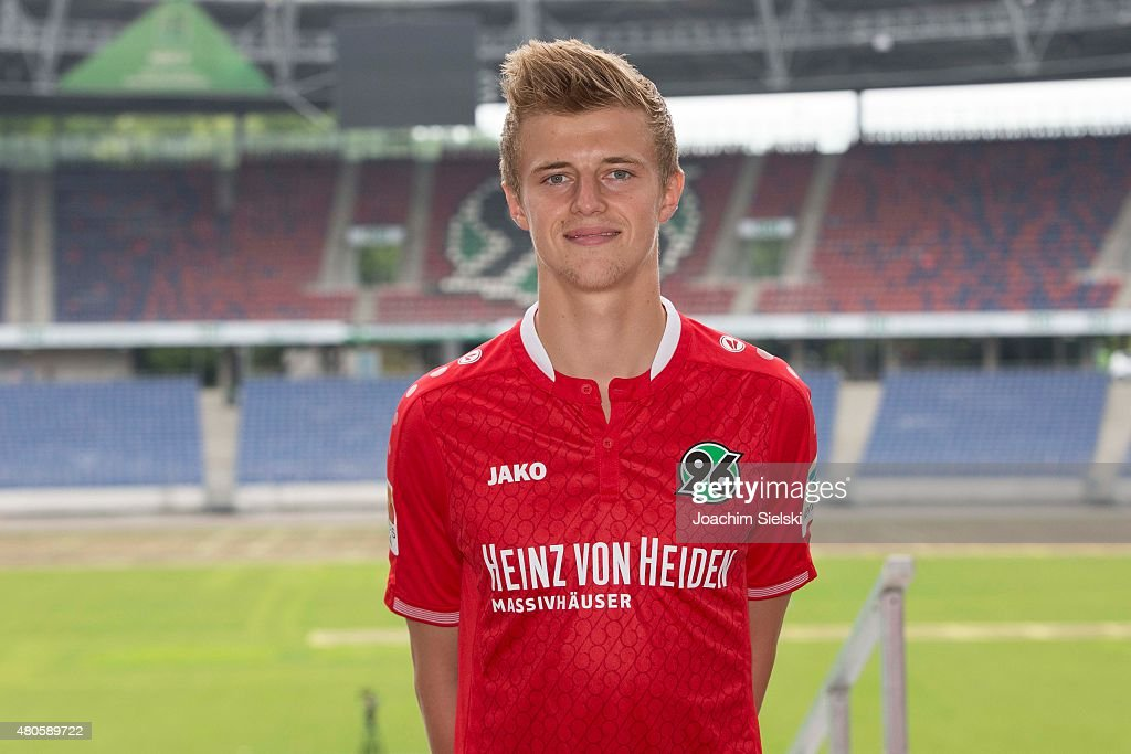 Hannover 96  - Team Presentation : News Photo