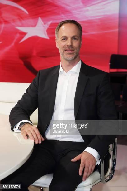 Sebastian Fiedler Stellvertretender Bundesvorsitzender des Bundes Deutscher Kriminalbeamter in der ZDFTalkshow maybrit illner am in Berlin Erdoans...