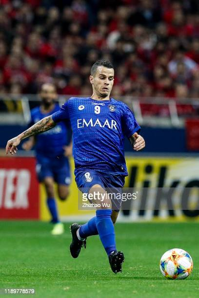 Sebastian Giovinco of Al Hilal controls the ball during the AFC Champions League Final second leg match between Urawa Red Diamonds and Al Hilal at...