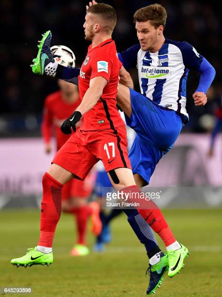 Sebastian Langkamp of Berlin and Ante Rebic of Frankfurt battle for the ball during the Bundesliga match between Hertha BSC and Eintracht Frankfurt...