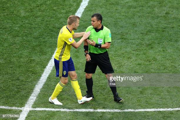 Sebastian Larsson of Sweden appeals to Referee Joel Aguilar during the 2018 FIFA World Cup Russia group F match between Sweden and Korea Republic at...