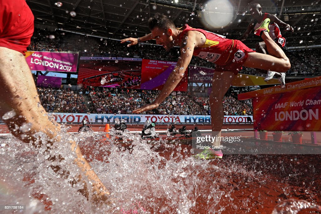 Sebastian Martos of Spain falls during the the Men's 3000 metres Steeplechase during day three of the 16th IAAF World Athletics Championships London 2017 at The London Stadium on August 6, 2017 in London, United Kingdom.