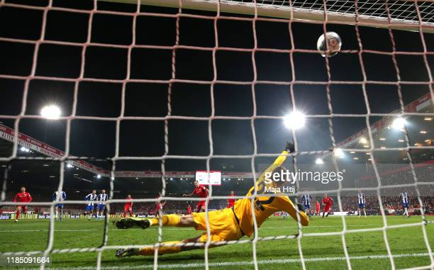 Sebastian Polter of 1 FC Union Berlin scores his team's first goal from the penalty spot during the Bundesliga match between 1 FC Union Berlin and...