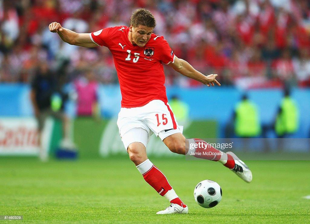 Austria v Croatia - Group B Euro 2008 : News Photo