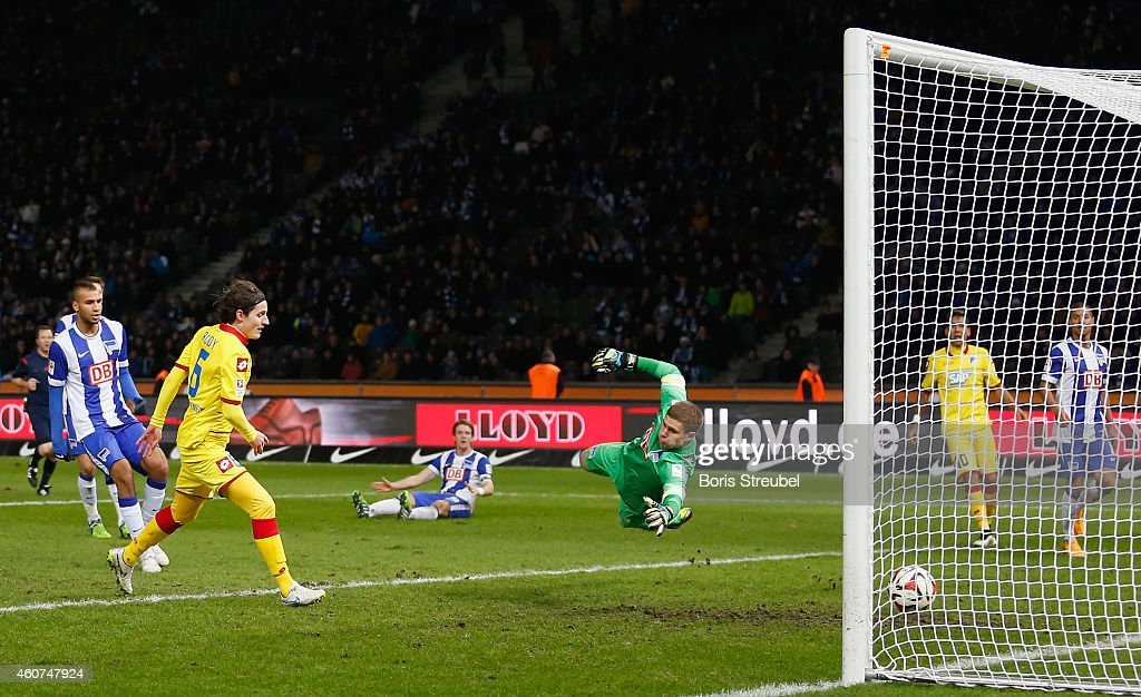 Sebastian Rudy (2.L) of Hoffenheim scores his team's fifth goal during the Bundesliga match between Hertha BSC and 1899 Hoffenheim at Olympiastadion on December 21, 2014 in Berlin, Germany.