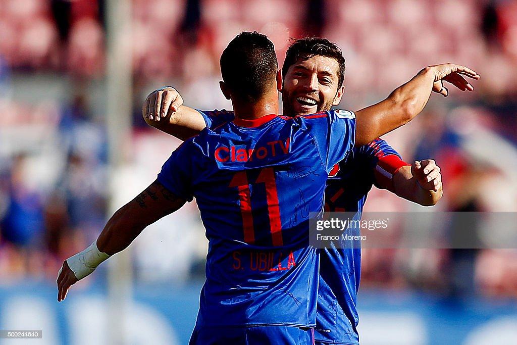 U de Chile v Huachipato - Campeonato Clausura 2015