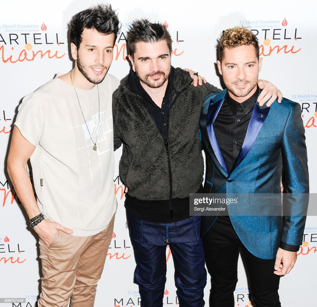 ¿Cuánto mide Sebastián Yatra? - Altura - Real height Sebastian-yatra-juanes-and-david-bisbal-attend-the-tj-martell-for-picture-id906707446