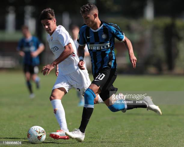 Sebastiano Esposito of FC Internazionale in action during the Serie A Primavera match between FC Internazionale U19 and ACF Fiorentina U19 at Stadio...