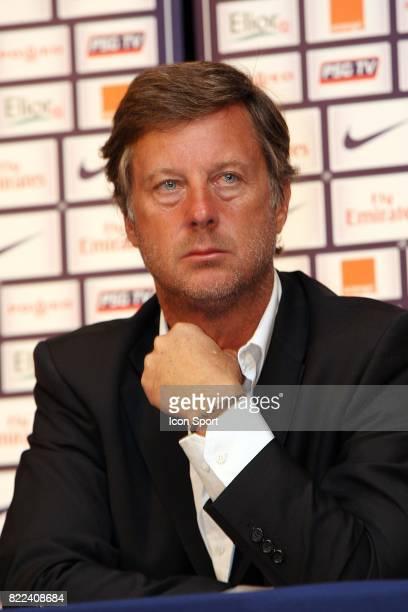 Sebastien BAZIN Conference de Presse pour annoncer la prochaine nomination de Robin LEPROUX au poste de President du Paris Saint Germain Parc des...