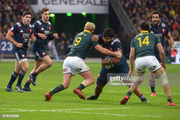 Sebastien Taofifenua of France runs with the ball during the test match between France and South Africa at Stade de France on November 18 2017 in...
