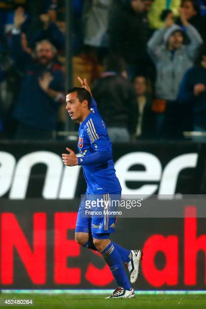 Sebasti‡n Ubilla of U de Chile celebrates after scoring his team's second goal during a match between U de Chile and Cobresal as a part of first...