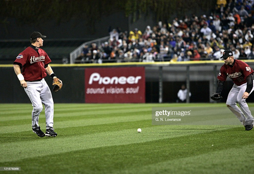 Second baseman Craig Biggio of the Houston Astros misses a fly ball that would score a run on a hit by Juan Uribe during game 2 of the 2005 World Series against the Houston Astros at US Cellular Field in Chicago, Illinois on October 23, 2005.