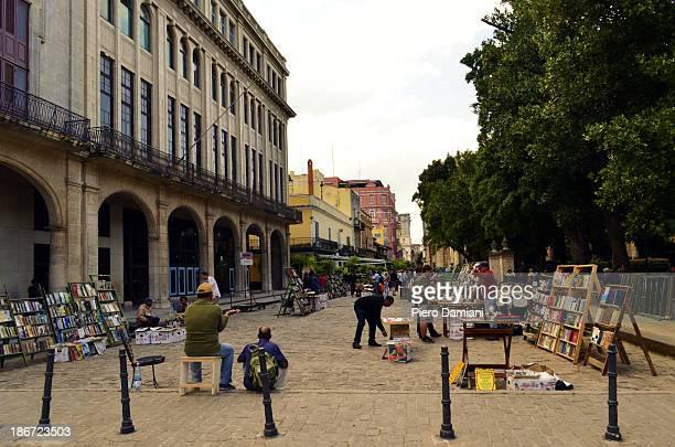 CONTENT] Second hand books vendors in old Havana