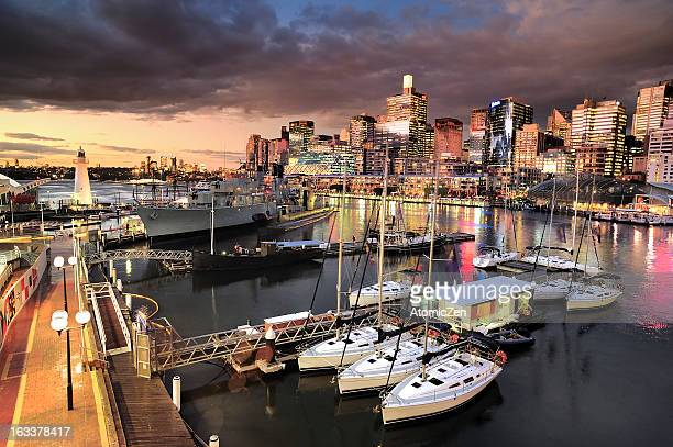 a second of dusk at darling harbour - darling harbour stock pictures, royalty-free photos & images