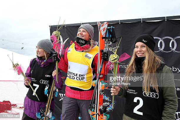 Second place Dara Howell of Canada first place Tiril Sjaastad Christiansen of Norway and third place Lisa Zimmermann of Germany pose during the...