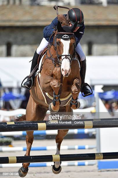 Second place to the Englishman Michael Whitaker riding his faithful Viking Longines Grand Prix of CSI5 * St Moritz n