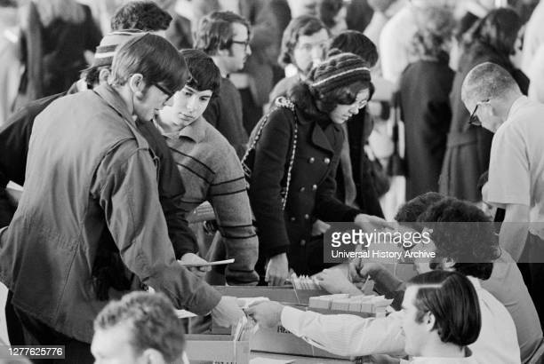 Second Semester Registration of Students, University of Maryland, College Park, Maryland, USA, Thomas J. O'Halloran, February 1971.