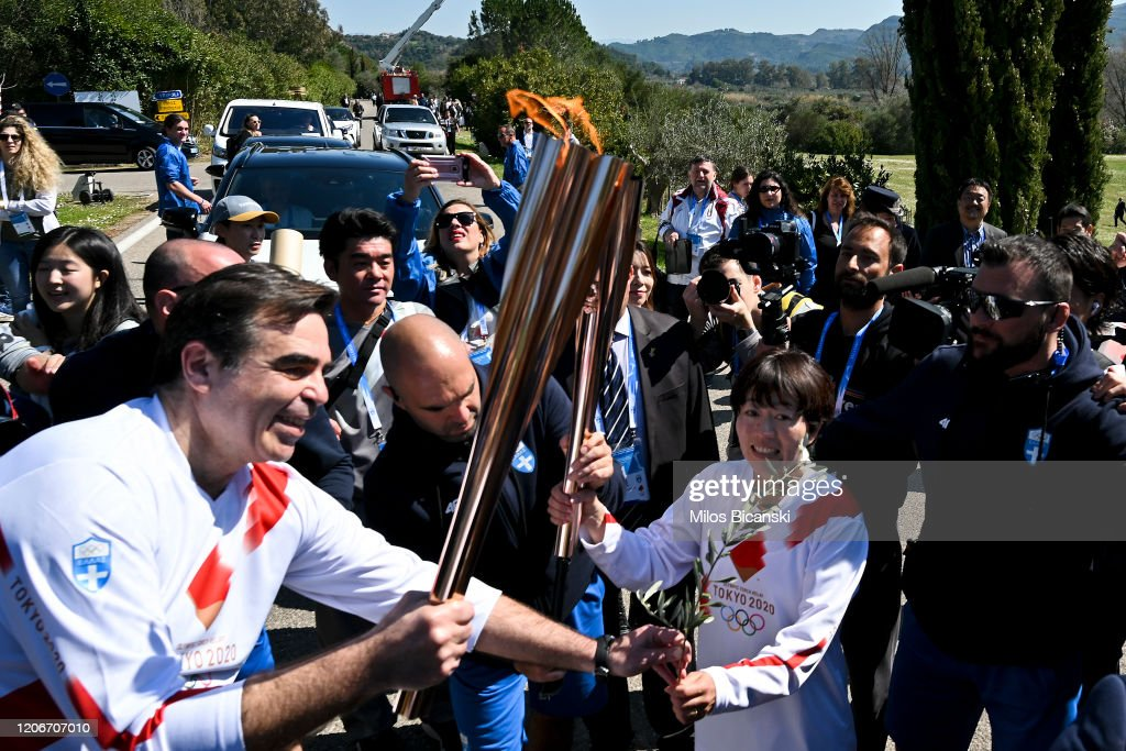 Lighting Ceremony Of The Olympic Flame : ニュース写真