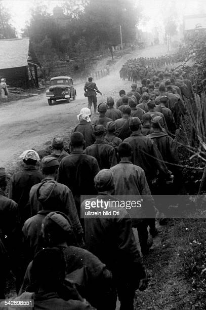 Second World War Campaign against soviet union / eastern front captives Soviet soldiers 1941 Published by 'Volk im Bild' 35/1941 Photographer...