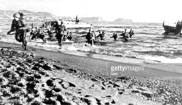 Second World War1943 Allied invasion of Italy Operation Avalanche Salerno 1943 Troops landed during the invasion of mainland Italy at Salerno advance...
