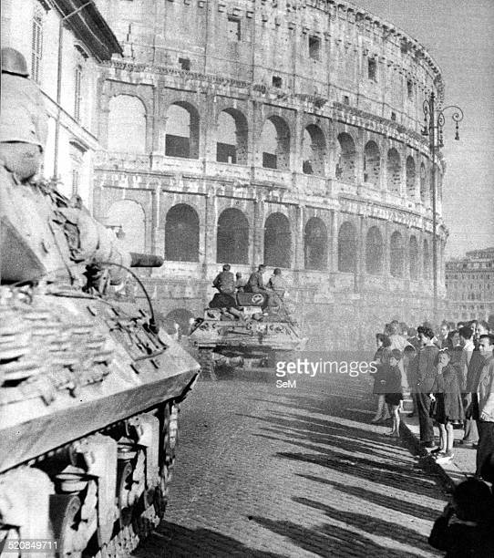 Second World WarItaly 1944 June 4 1944 American Tanks parading in front of the Colosseum in Rome after the conquest of the city by the United States...