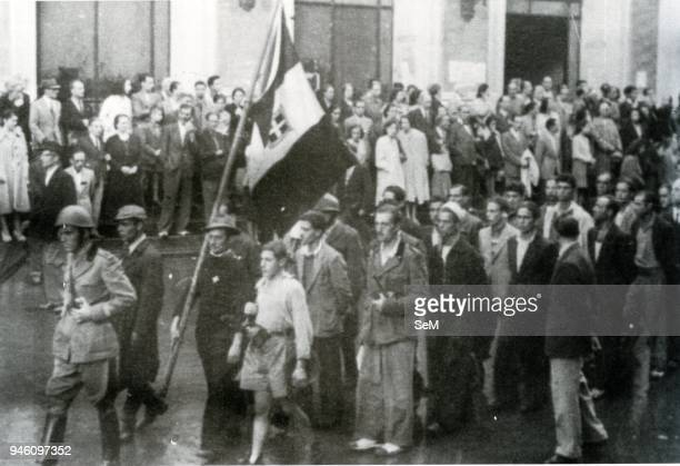 Second World WarNaples Italy October 1943 September procession led by the Italian flag celebrating the liberation of Naples by the Germans and the...